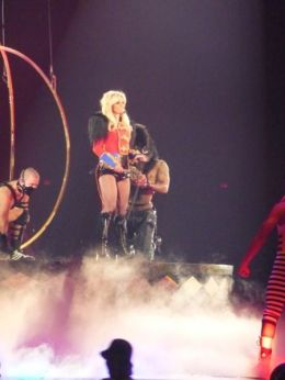 Britney Spears 01- Circus (2)