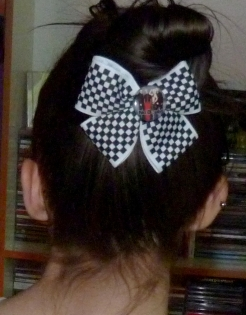 Custom Etsy made No Doubt pinback hairbow from 2013
